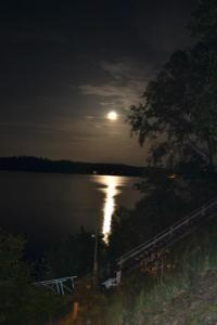Full Moon over Smith Lake